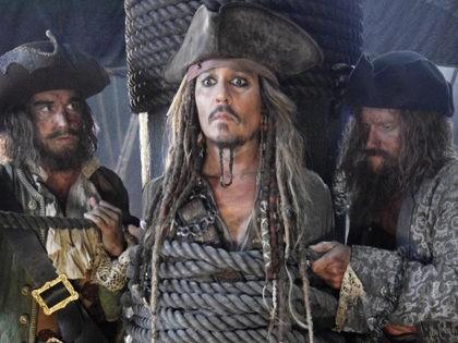 Pirates5DeadMenTellNoTalesTrailer