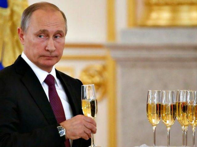 Putin, Champagne - AP