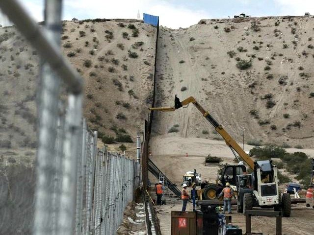 border wall CHRISTIAN TORRESAP