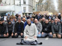 French Muslims Protest and Pray in Street After 'Mosque' Closure