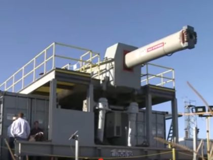 VIDEO: U.S. Navy Tests 'Star Wars' Electromagnetic Rail Gun That Can Destroy Targets up to 125 Miles Away