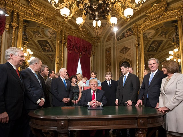 Donald-Trump-McConnell-Pelosi-Ryan-Pence-Schumer-Jan-20-2017-Getty