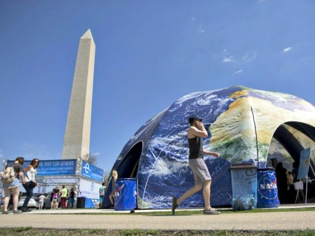 Earth Day 2015 Andrew Caballero-Reynolds, AFP