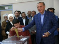 Turkey Referendum: Opposition Parties Cry Fraud, Demand Recount of 'Yes' Vote