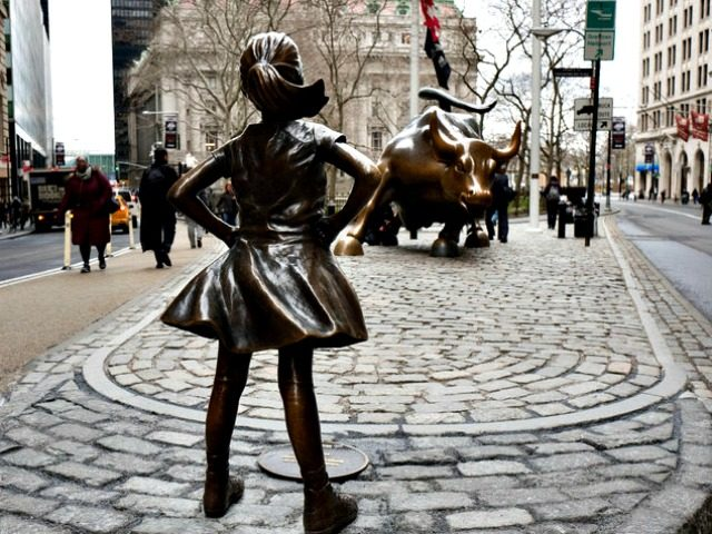 Fearless Girl faces Bull Mark LennihanAP