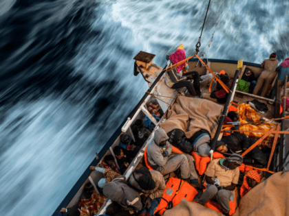 'Record-Breaking' Number of Migrants Crossing Mediterranean This Easter