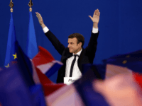 Euro Surges as France's Macron Makes It Through to Second Round