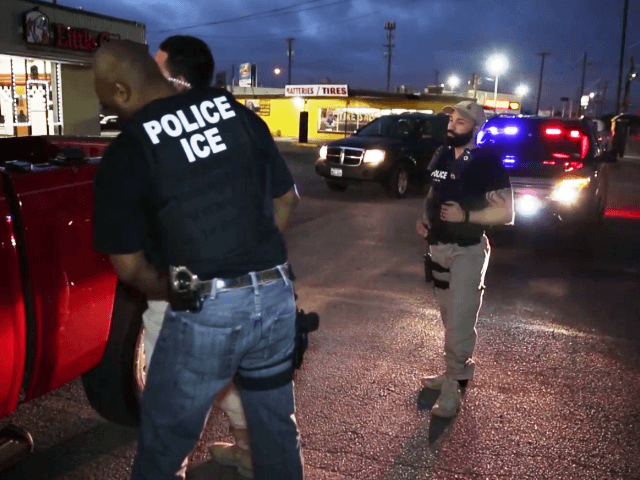 ICE Arrest in Dallas - 4-1-17