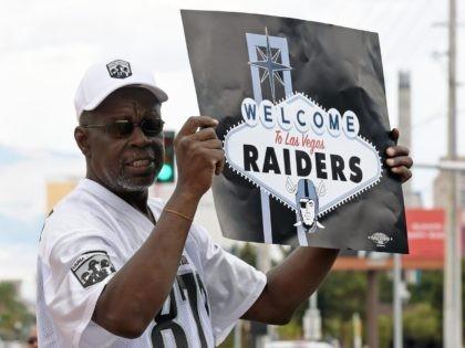 Las Vegas Raiders fan (Ethan Miller / Getty)