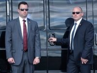 Secret Service agents (Brendan Smialowski / AFP / Getty)