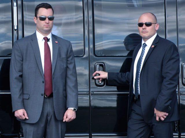 Secret Service agents (Brendan Smialowski / AFP / Getty)