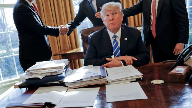 Trump, Advisers without Heads-AP