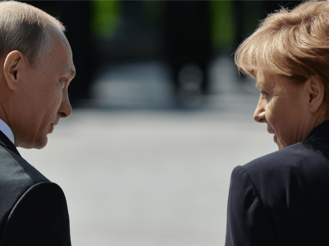Merkel, Putin to Hold Talks on Baltic Pipeline and Syria