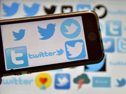 Twitter took its free-speech battle against the US government to court as it seeks to protect the identity of one of its account holders critical of the Trump administration