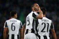 Juventus' defender Leonardo Bonucci celebrates after scoring on April 23, 2017
