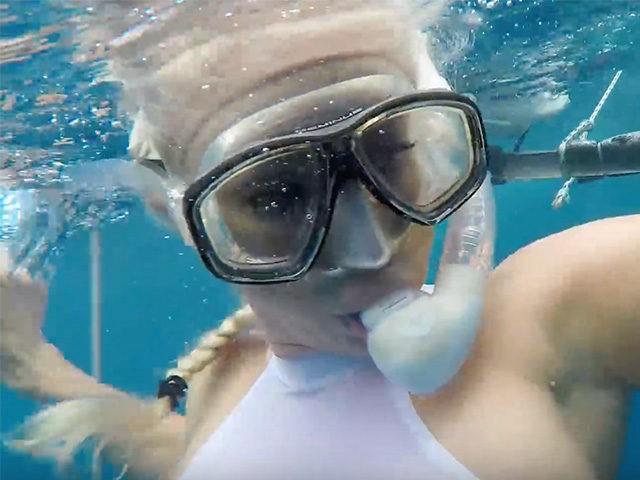Porn Actress Underwater 47