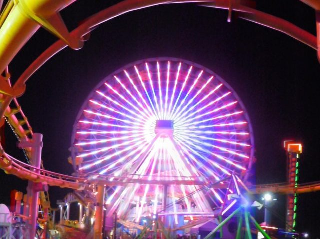 Southern California SoCal ferris wheel Santa Monica (Ted Drake / Flickr / CC / Cropped)