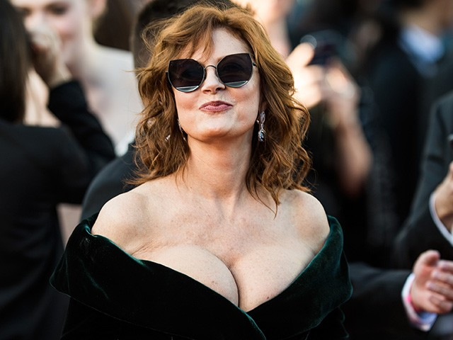 70 Year Old Susan Sarandon Flaunts Cleavage At Cannes
