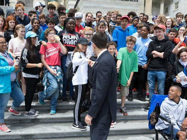 New Jersey eighth-graders opt out of photo with Paul Ryan