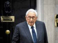 Former US Diplomat Henry Kissinger leaves following a meeting with British Prime Minister Theresa May at 10 Downing Street on October 25, 2016 in London, England.