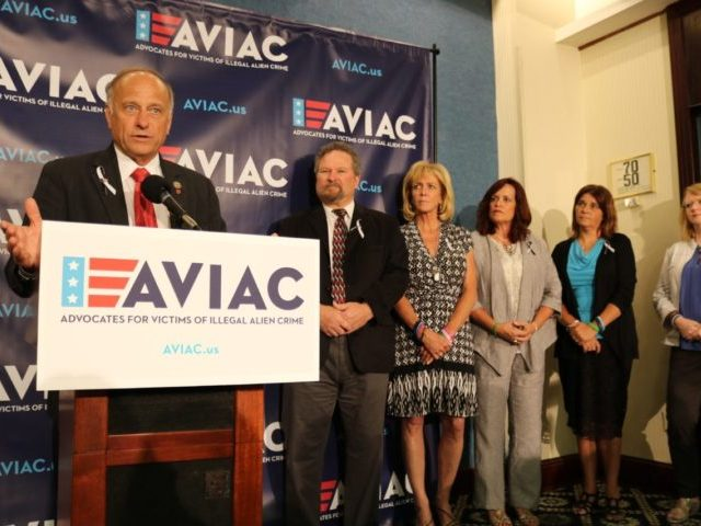 Angel Families and Rep. Steve King Introduce New Victims of Illegal Alien Crime Advocacy Group AVIAC - Breitbart