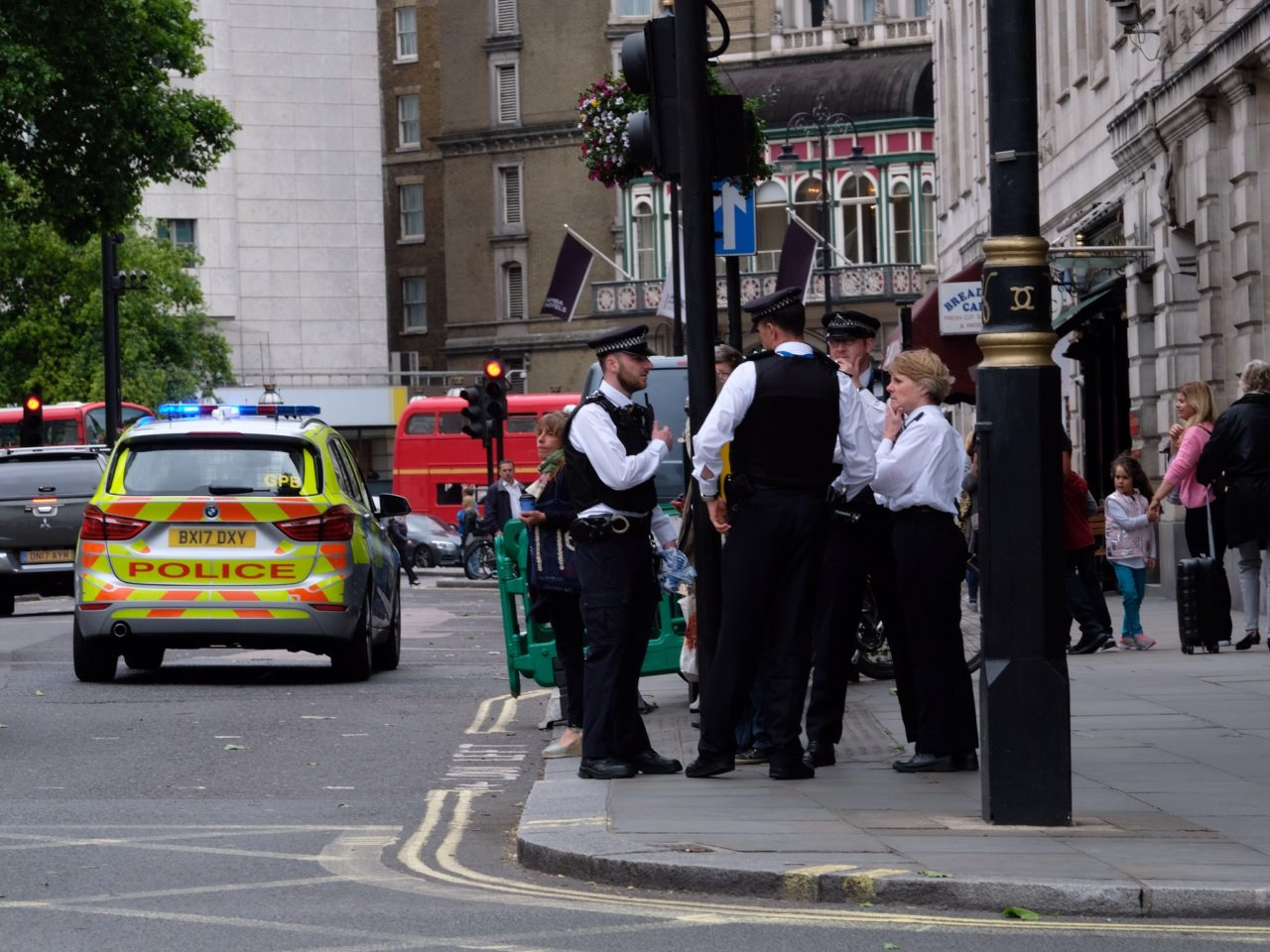 Armed cops evacuate Trafalgar Square this afternoon