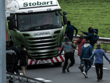 UK to Pay France Millions More to Stop New Wave of Calais Migrants