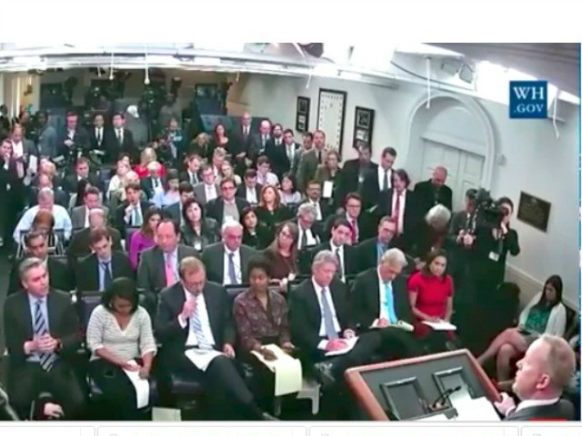 CNN Battle with Sean Spicer Continues as He Shuts Out Jim Acosta – Breitbart News