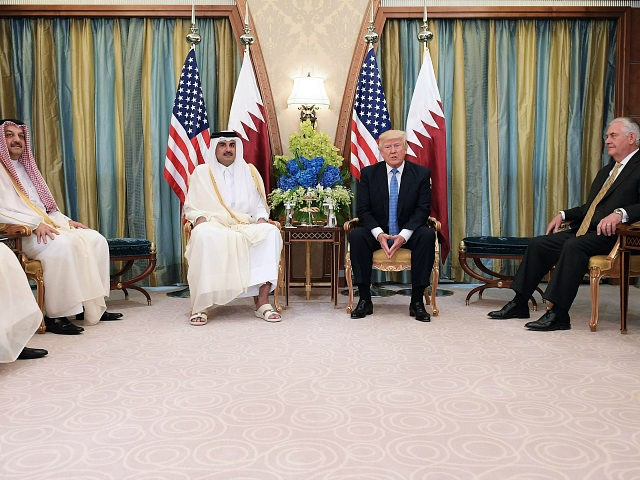Trump offers to host feuding Gulf nations at White House