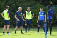 FC Nantes' new Italian coach Claudio Ranieri (2-L) speaks to players during a training session at the FC Nantes headquarters in La Chapelle sur Erdre, western France on June 26, 2017