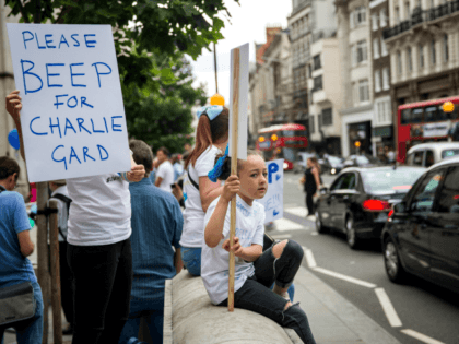 Protestors Plan Prayer Vigil for Charlie Gard as Hospital Claims it is Receiving Death Threats