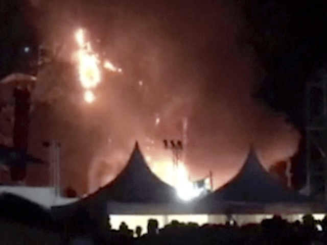 20000 flee fire at Spain music festival