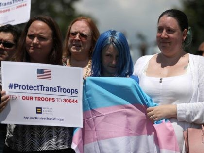 Transgender soldiers rally (Justin Sullivan / Getty)
