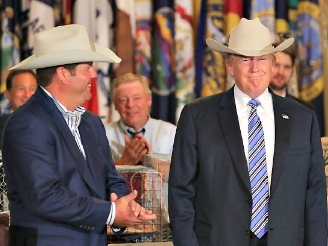 Donald Trump Wears Personalized  El Presidente  Stetson Hat at the White  House c462af081cf