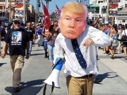 Trump rally Huntington Beach (Marc Langsam / Facebook)