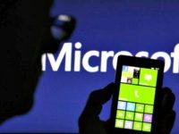 microsoft-phones-Thompson Reuters