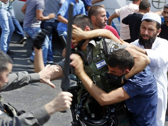 Palestinian worshippers hurt in clash with police