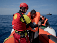 Spain Brings 600 Mediterranean Migrants To Europe in 24 Hours in Busiest Day of 2017 So Far