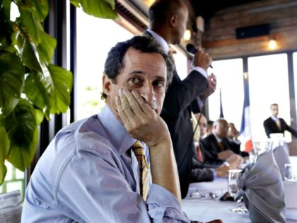 Anthony Weiner all Alone AP