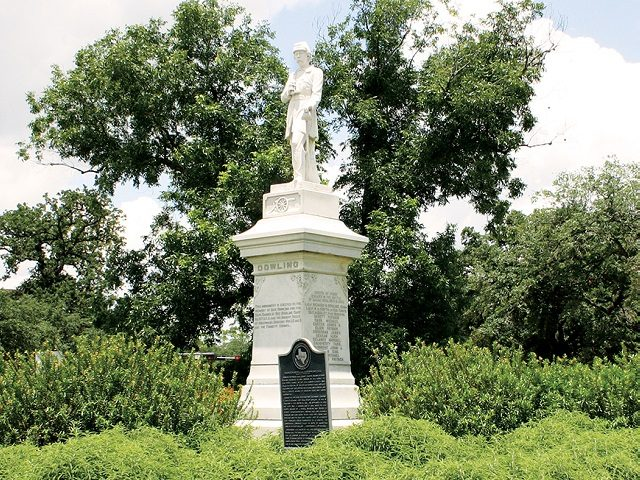 Houston man arrested planting bomb at Confederate statue