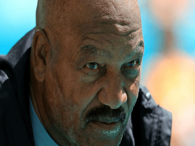 Jim Brown advised team to not disrespect the flag or anthem