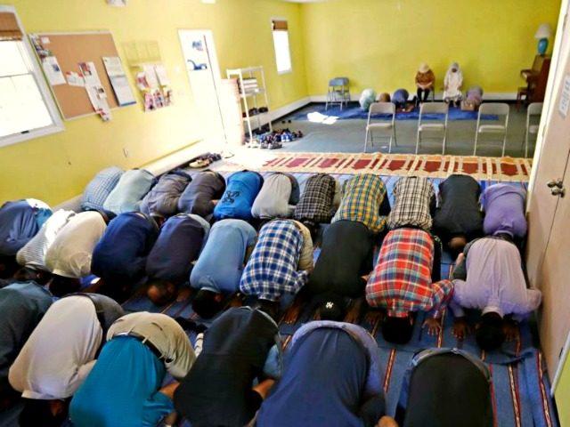 Islamic Worshippers AP