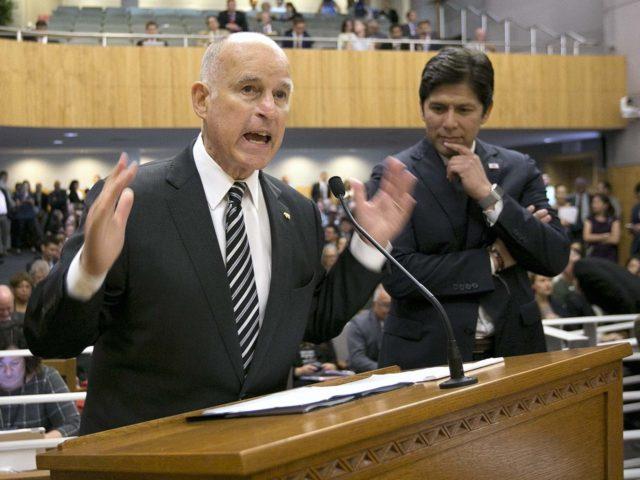 Jerry Brown Kevin de León (Rich Pedroncelli / Associated Press)