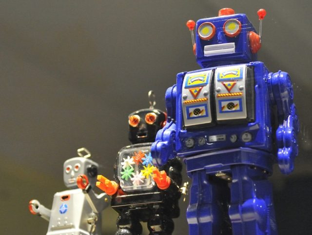 Robots (Rog01 / Flickr / CC / Cropped)