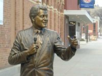 Bill Clinton's Accusers Demand Removal of Statue in South Dakota