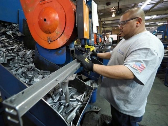 Manufacturing in U.S.  accelerates to cap best year since 2004