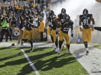 Pittsburgh Steelers Stay in Locker Room During National Anthem, Except for One Player