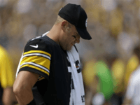 Ben Roethlisberger on Steelers Decision to Remain in Locker Room for Anthem: 'I Wish we had Approached it Differently'