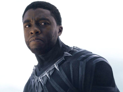 'Black Panther' Star Chadwick Boseman Backs 'Revolutionary' NFL Players Protesting the Anthem