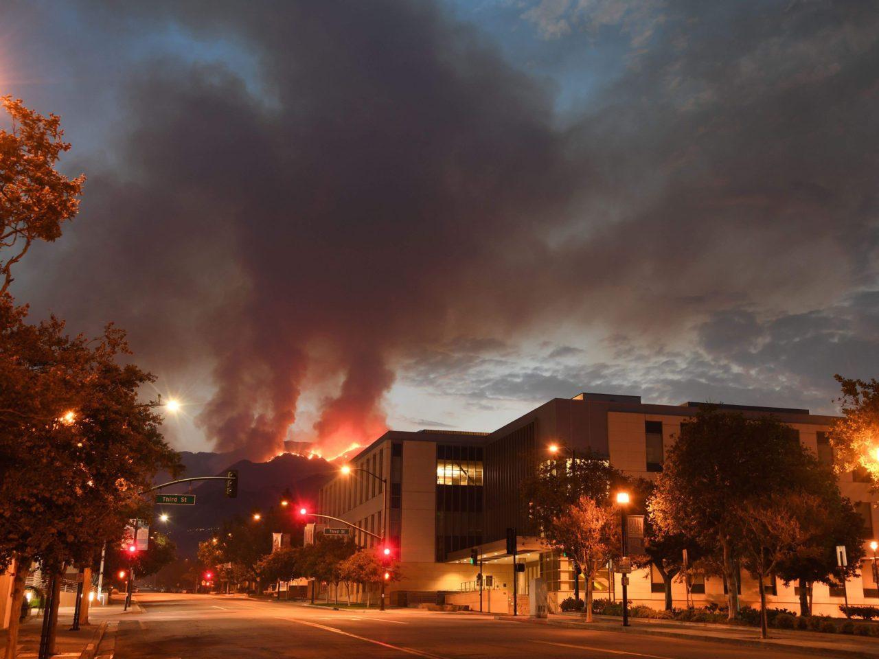 La Tuna fire (Robyn Beck / AFP / Getty)